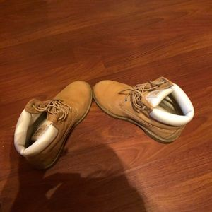 Timberland Boot (Women 6/Men 4)